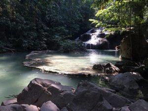 waterfall-1193838_640